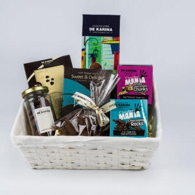 מתוקים בסלסלה- מארזי שוקולד דה קרינה, חבילות שי ללקוחות