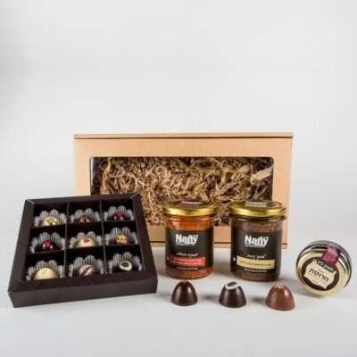 מארז צבעוני לפסח- מתנות לפסח, מארזי שוקולד, מארזי ממרחים