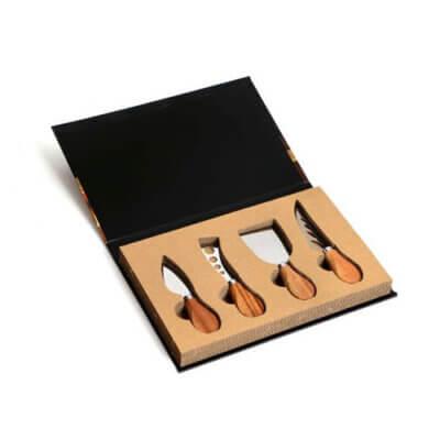 סט לחיתוך גבינות במארז ספר-מתנות לשבועות